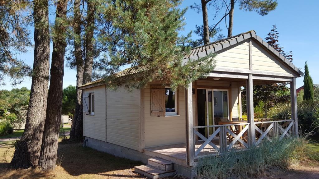 Chalet confort PREMIUM 28 m² (2 chambres) + terrasse couverte