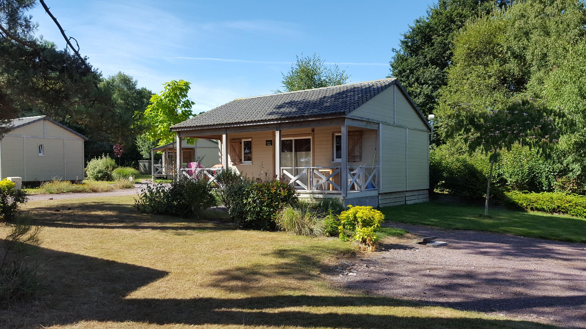 Location - Chalet Confort Premium 35 M² (2 Chambres - 2 Salles De Bain) + Terrasse Couverte - Domaine de Kervallon