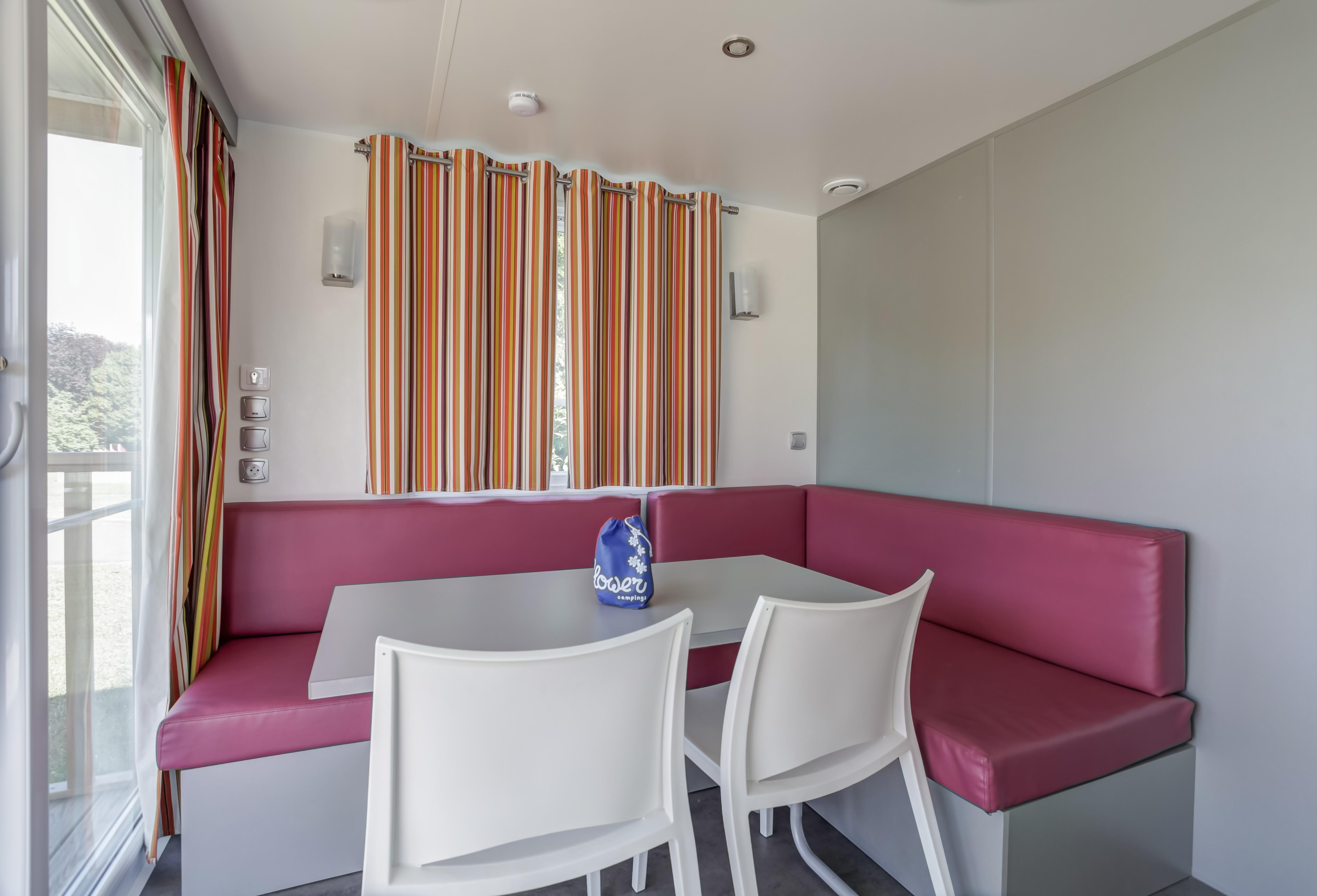 Mobil home Confort+ 26m² 2 chambres + terrasse couverte 7m² + bord de Loire + TV