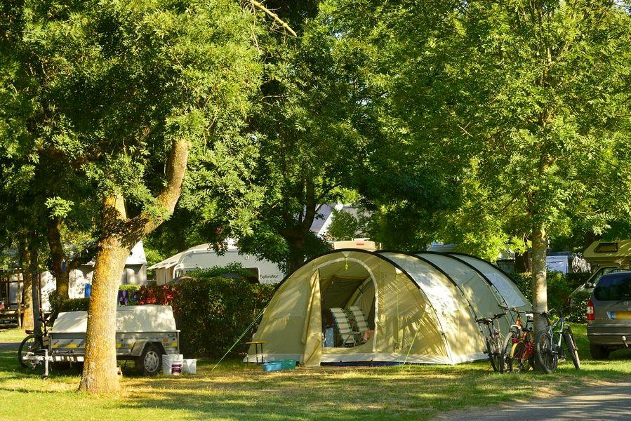 Forfait Confort : tente, caravane ou camping-car / 1 voiture / électricité 10A