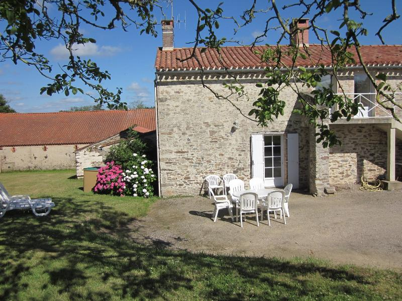 Holiday Home - 3 Bedrooms - La Dodiniere -