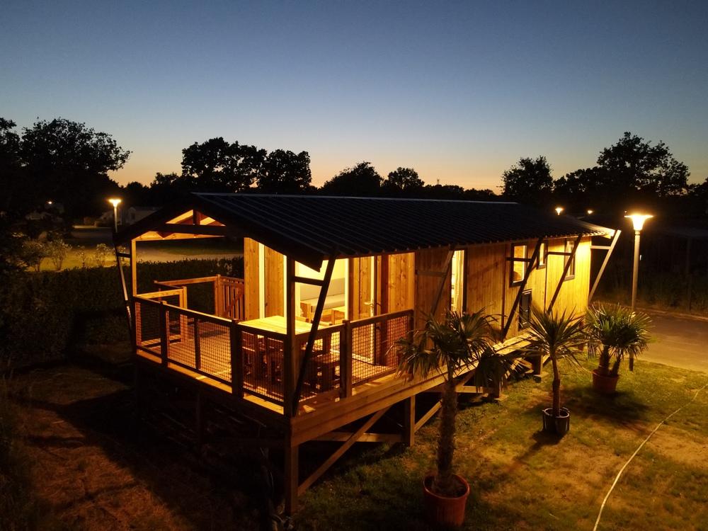 Cabane Lodge sur Pilotis : 32 m² + terrasse 11 m² couverte