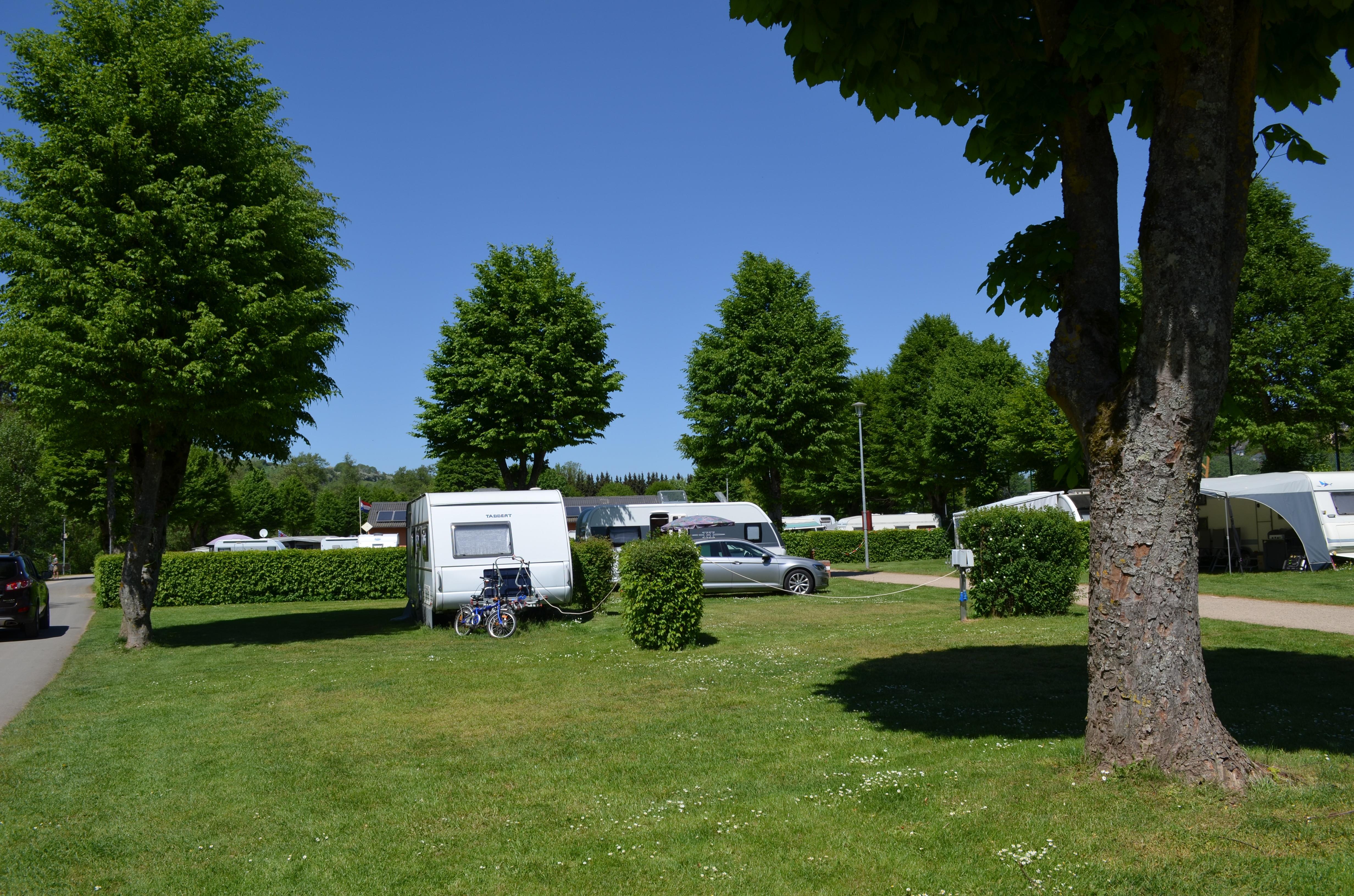 Emplacement - Emplacement 71-85M2 - Prümtal-Camping Oberweis