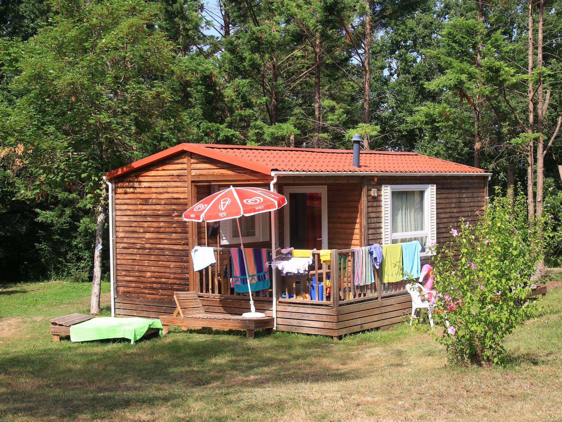 Camping Fontaine du Roc, Villeréal, Lot-et-Garonne