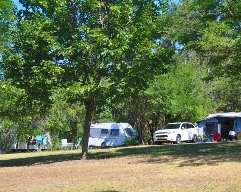 Camping le Clot du Jay, Clamensane, Alpes-de-Haute-Provence