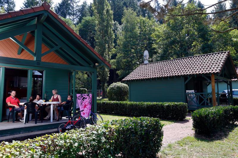 Camping Lac des Sapins, Cublize, Rhône