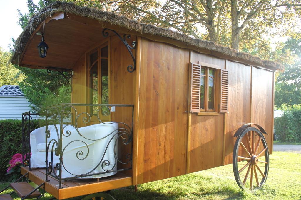 Location - Roulotte (Sans Sanitaires) - Camping Les Couesnons