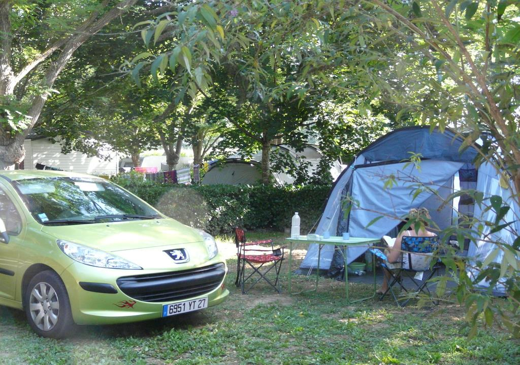 Pitch - Natural Package (1 Tent, Caravan Or Motorhome / 1 Car) - Camping Le Port Lacombe