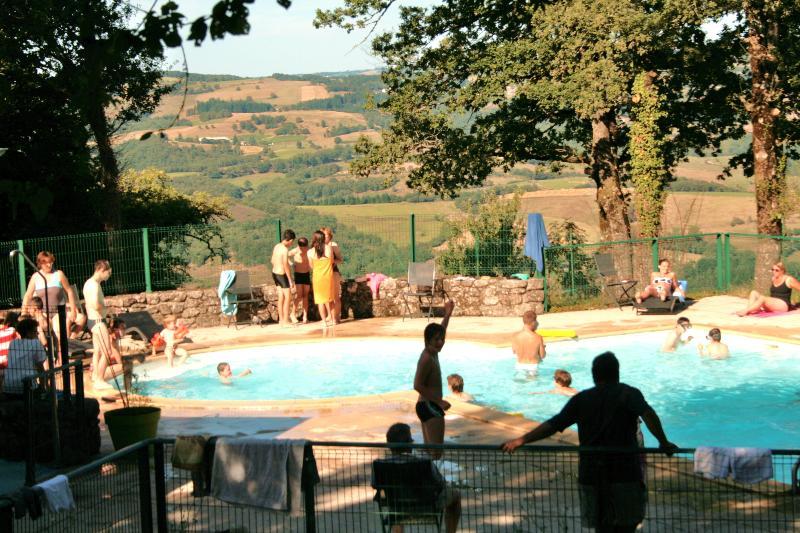 Camping Municipal Bellevue, Golinhac, Aveyron