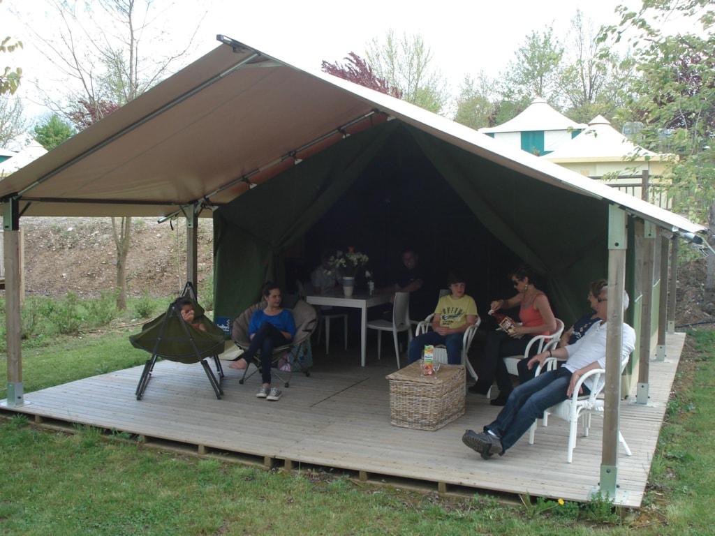 Flower Camping Du Lac De Bonnefon