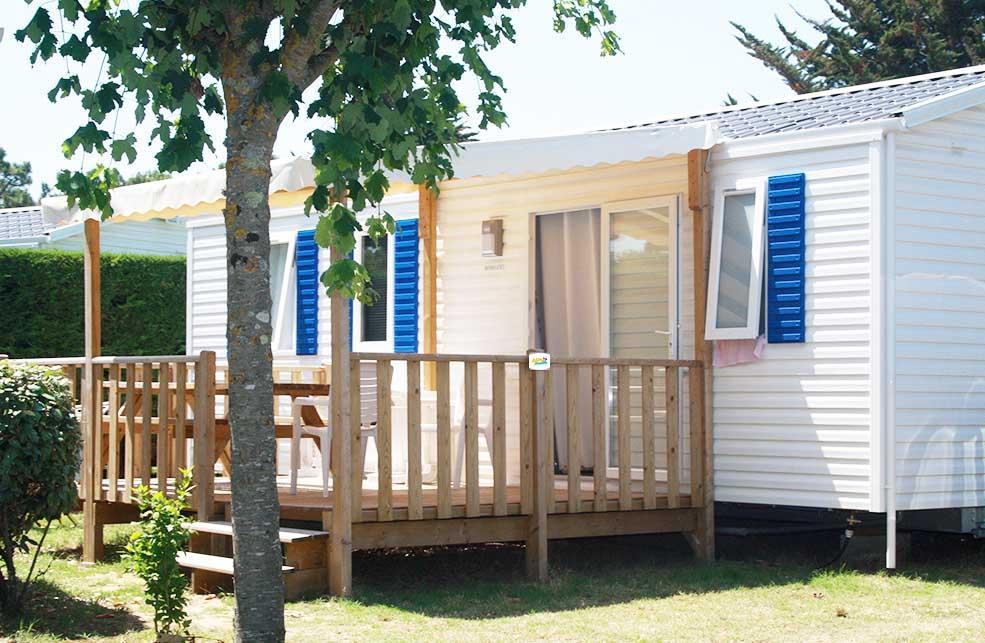 Location - Mobil-Home Grand Confort Avec Terrasse Bois Semi Couverte - Camping L'Anse des Pins