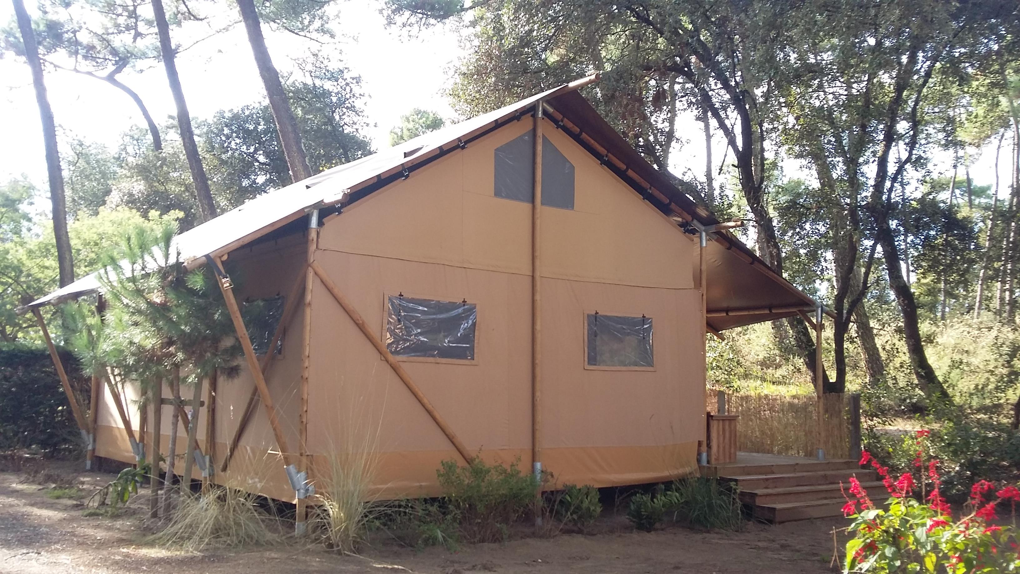 Location - Safari Lodge 8 / 2016 / 2 Chambres Parentales / Mezzanine - Camping-Club Les Pins