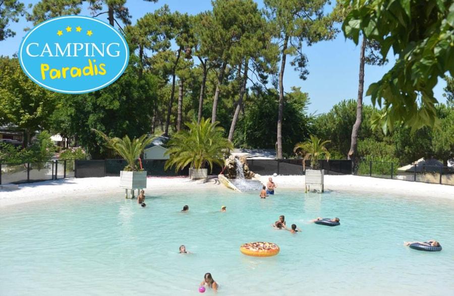 Camping-Club Les Pins - Le Grand-Village-Plage