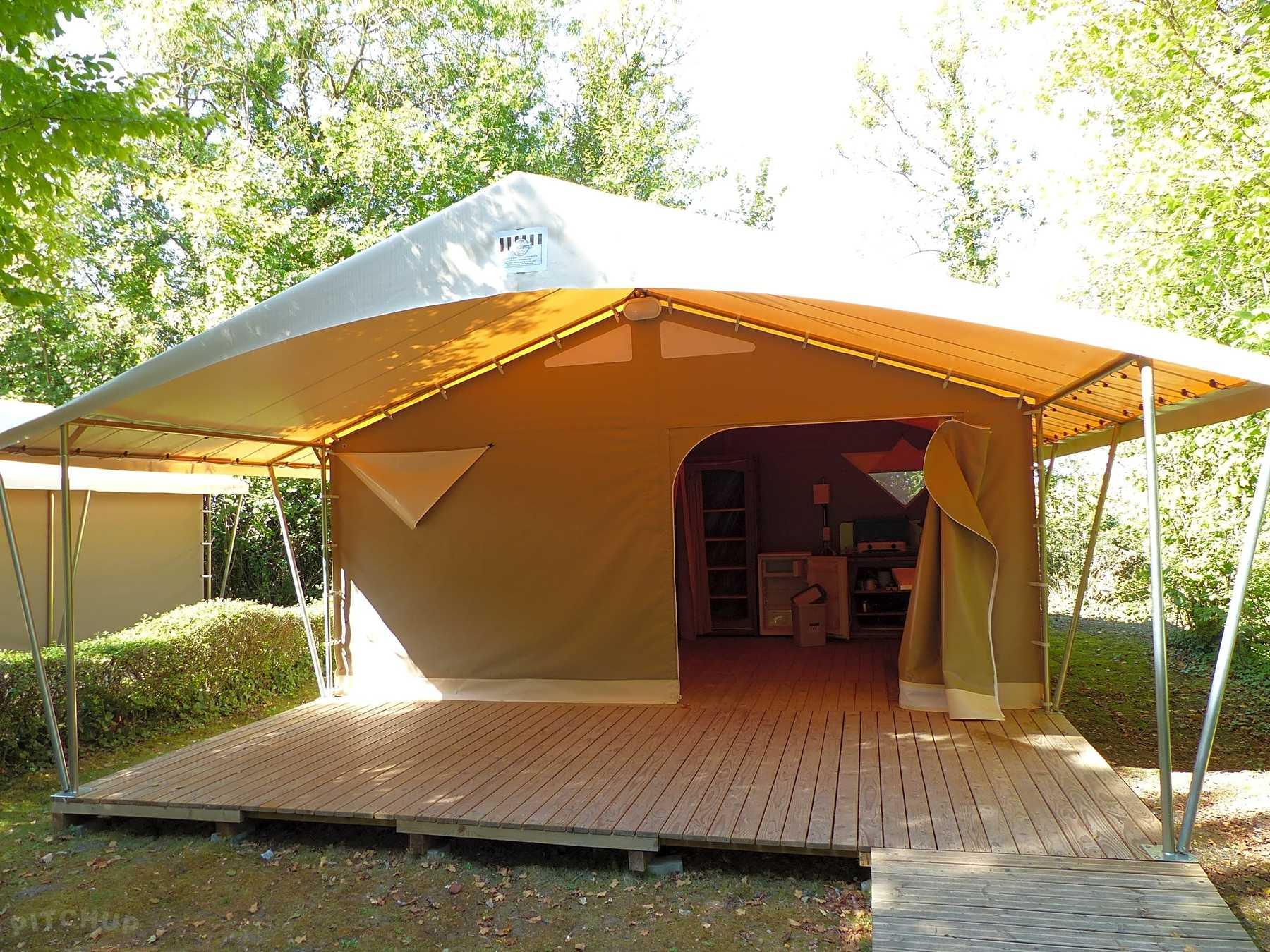 Location - Tente Canada 25M² - Camping Le Bois Dinot