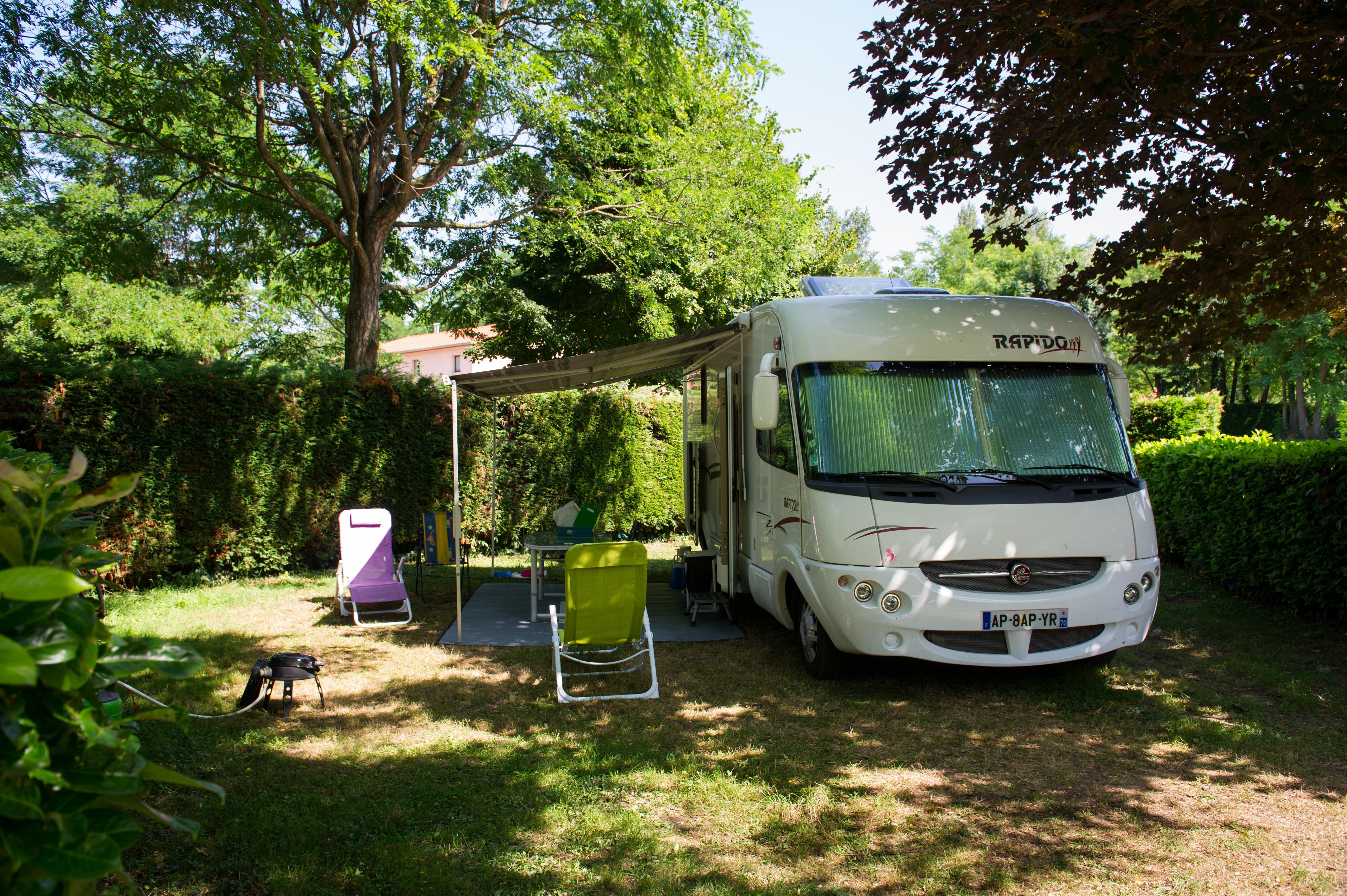 Emplacement - Forfait Nature (1 Tente, Caravane Ou Camping-Car / 1 Voiture) - Camping Les Mijeannes