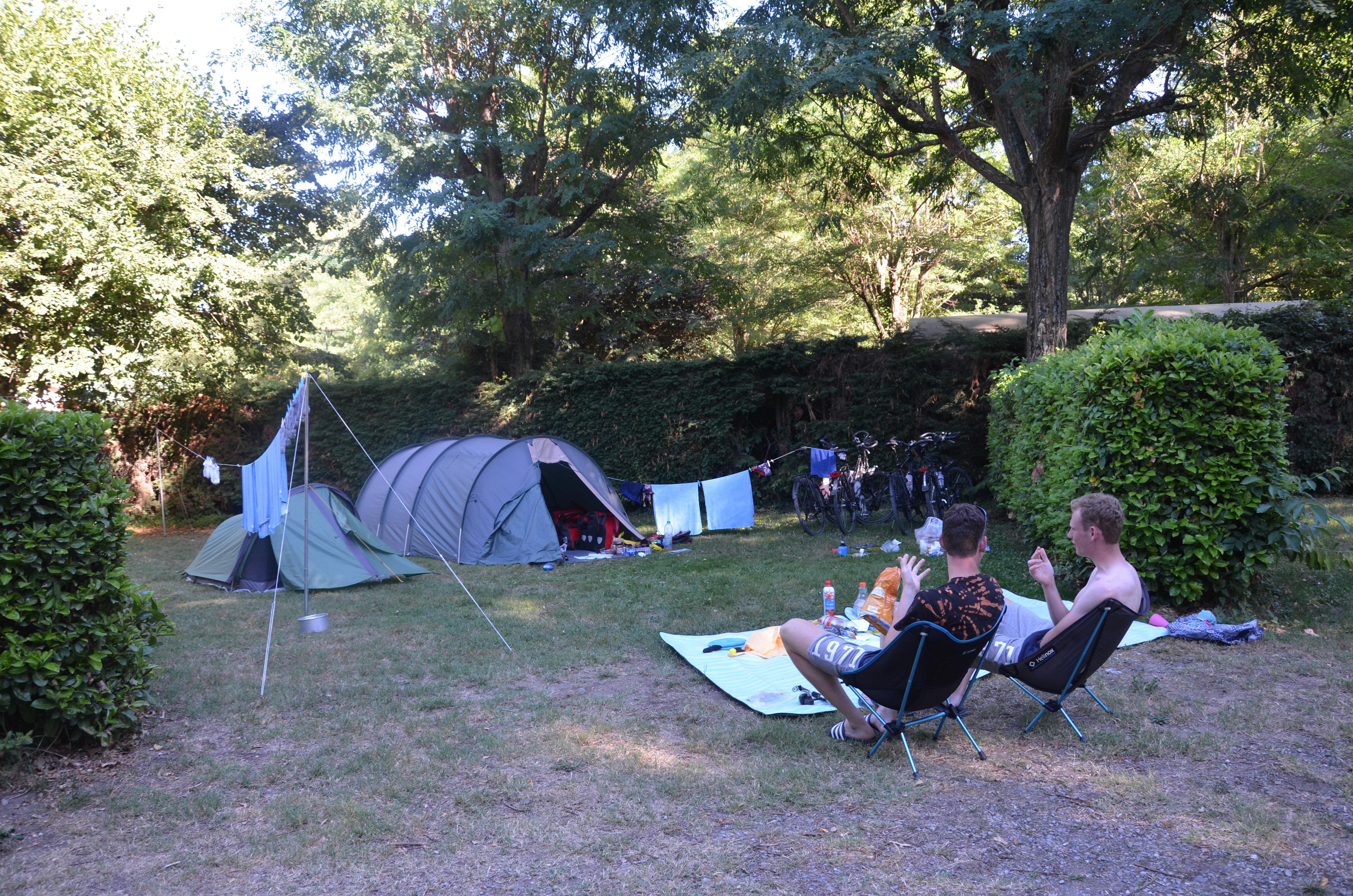 Emplacement - Forfait Randonneur Avec Électricité - Camping Les Mijeannes