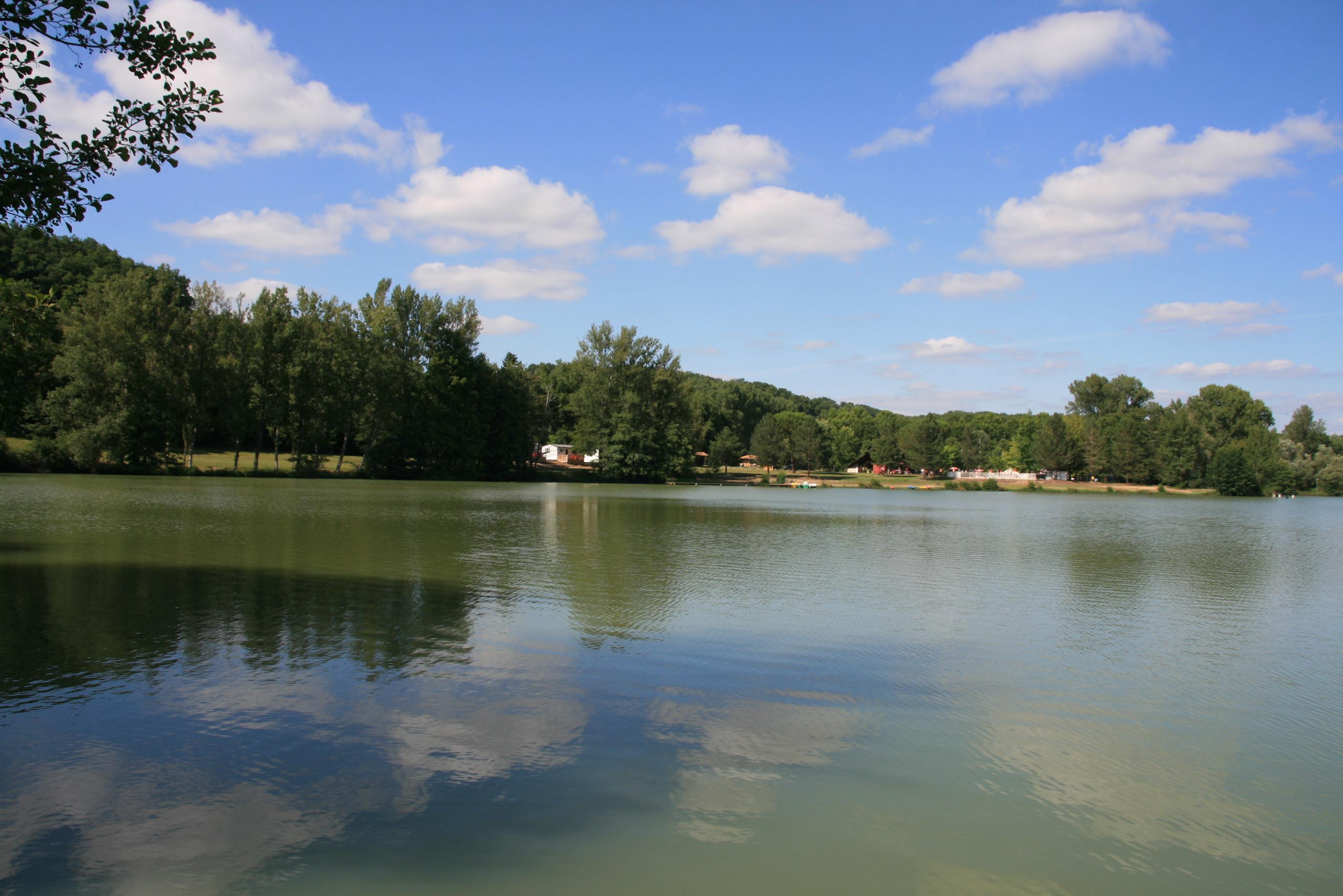 Camping du Lac de Néguenou, Prayssas, Lot-et-Garonne