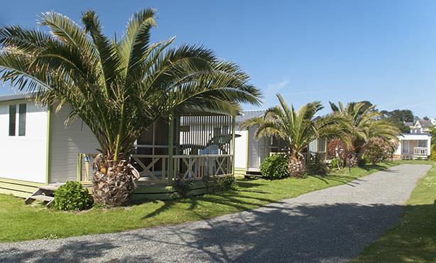 Location - Chalet Confort Plus 33M² - 2 Chambres - Terrasse Couverte - - Camping Le Mat