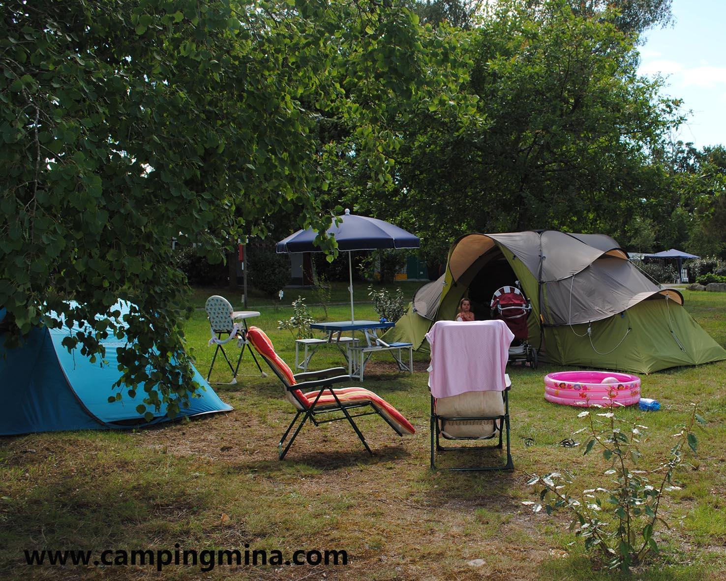 Emplacement - Forfait Randonneur À Pied Ou À Vélo Avec Tente - Camping Les Étangs Mina