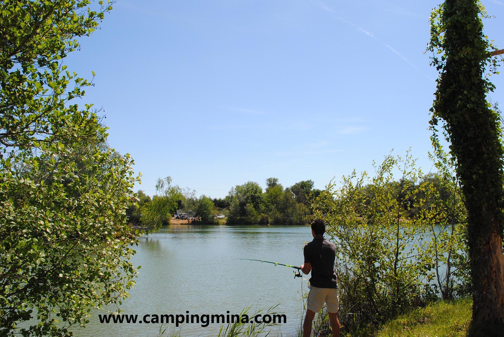 Emplacement - Forfait Carpiste (1 Pêcheur Par Emplacement) - Camping Les Étangs Mina