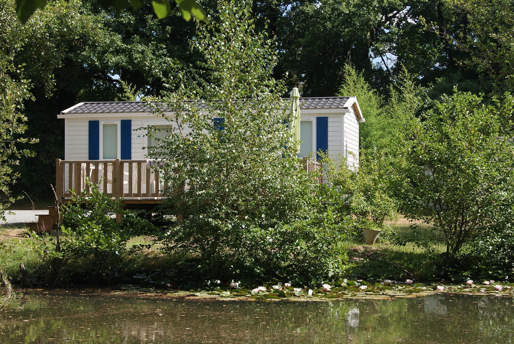 Location - Mobil Home Confort 29M² (2 Chambres) Avec Terrasse - Côté Étang - Camping Les Étangs Mina