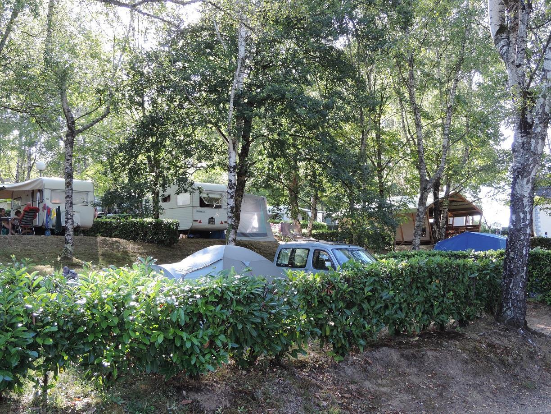 Camping Municipal du Lac, Saint-Hilaire-les-Places, Haute-Vienne