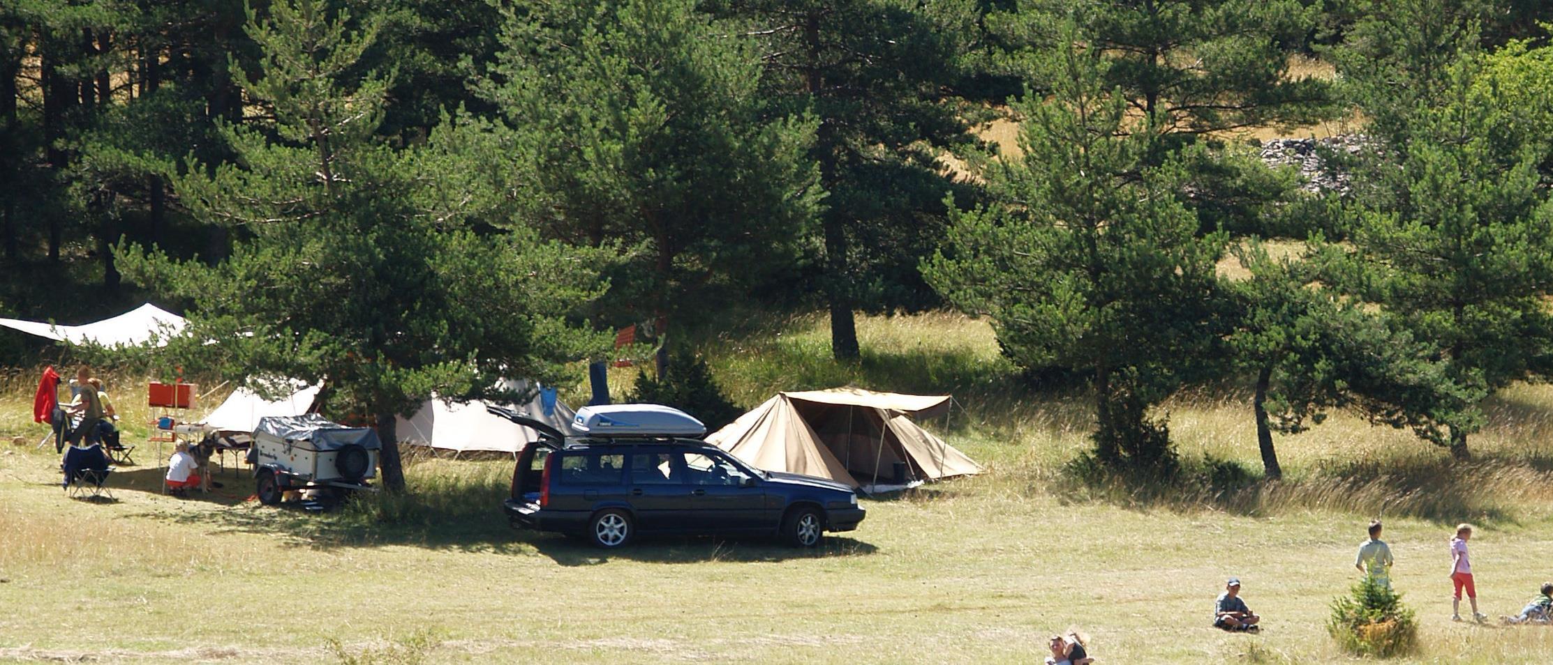 Camping Domaine de Pradines, Lanuéjols, Gard