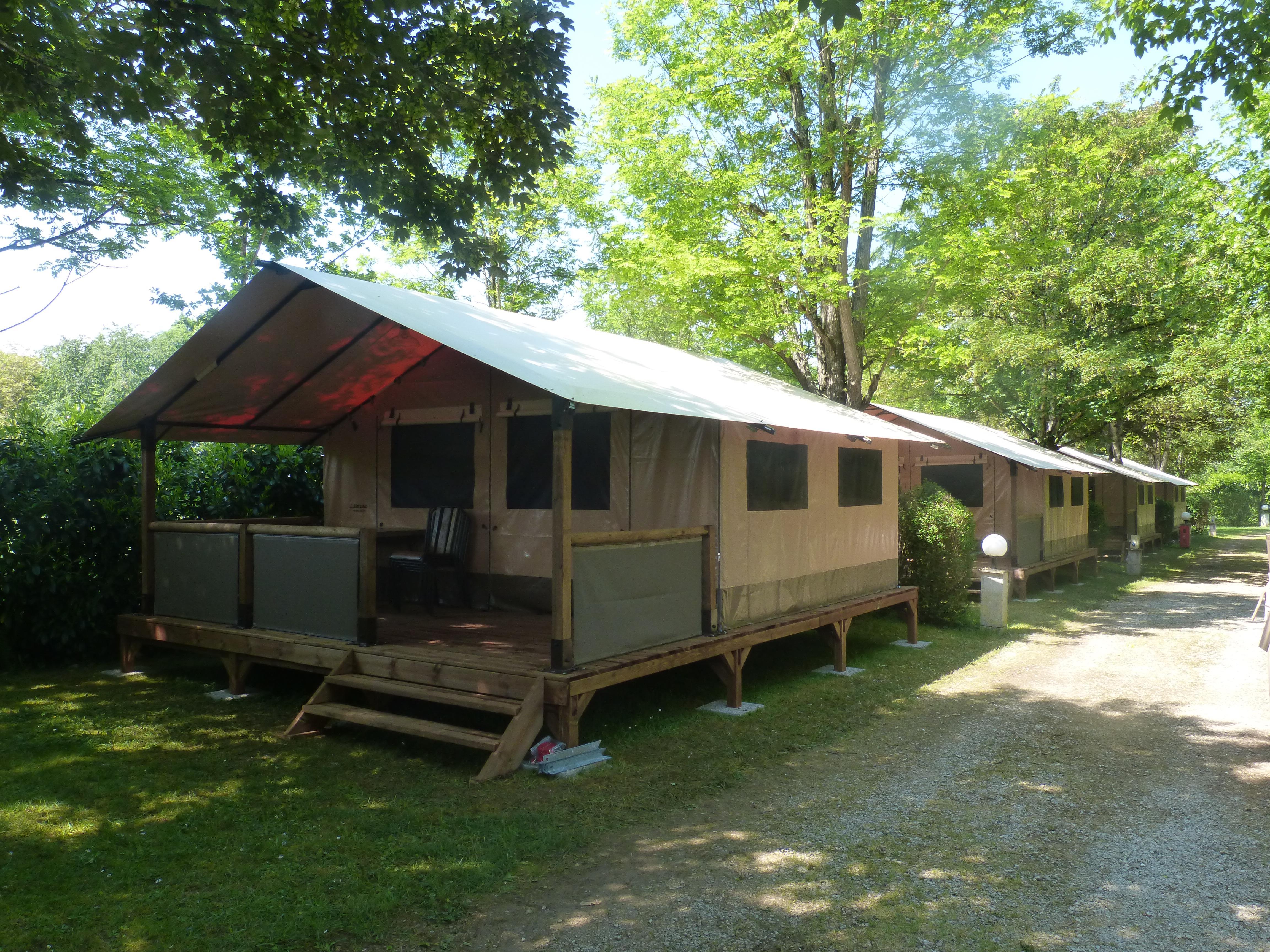 Tente Lodge VICTORIA 20m² + 10m² terrasse couverte