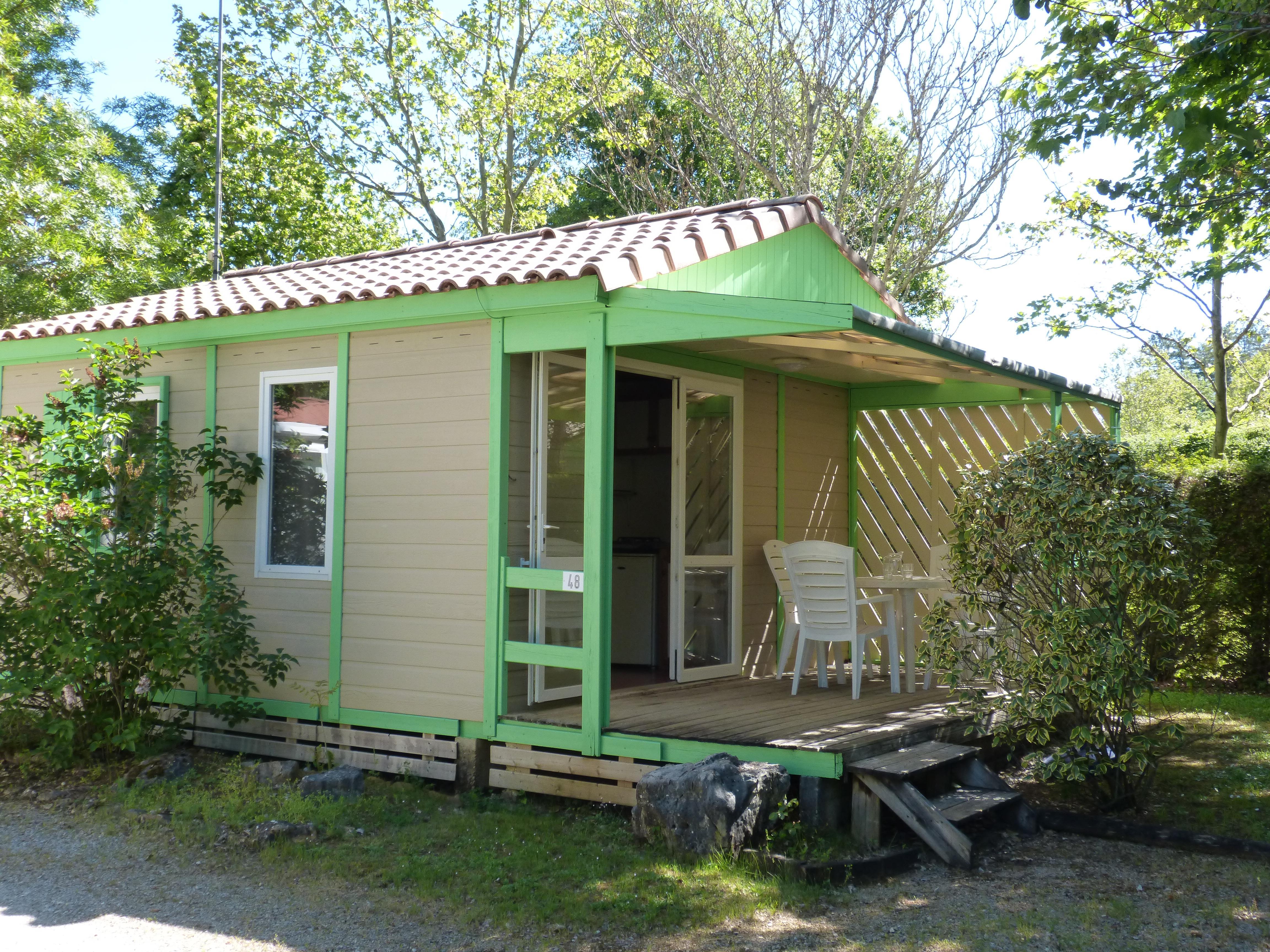 Chalet 22m² - 2 chambres + terrasse couverte 10m²