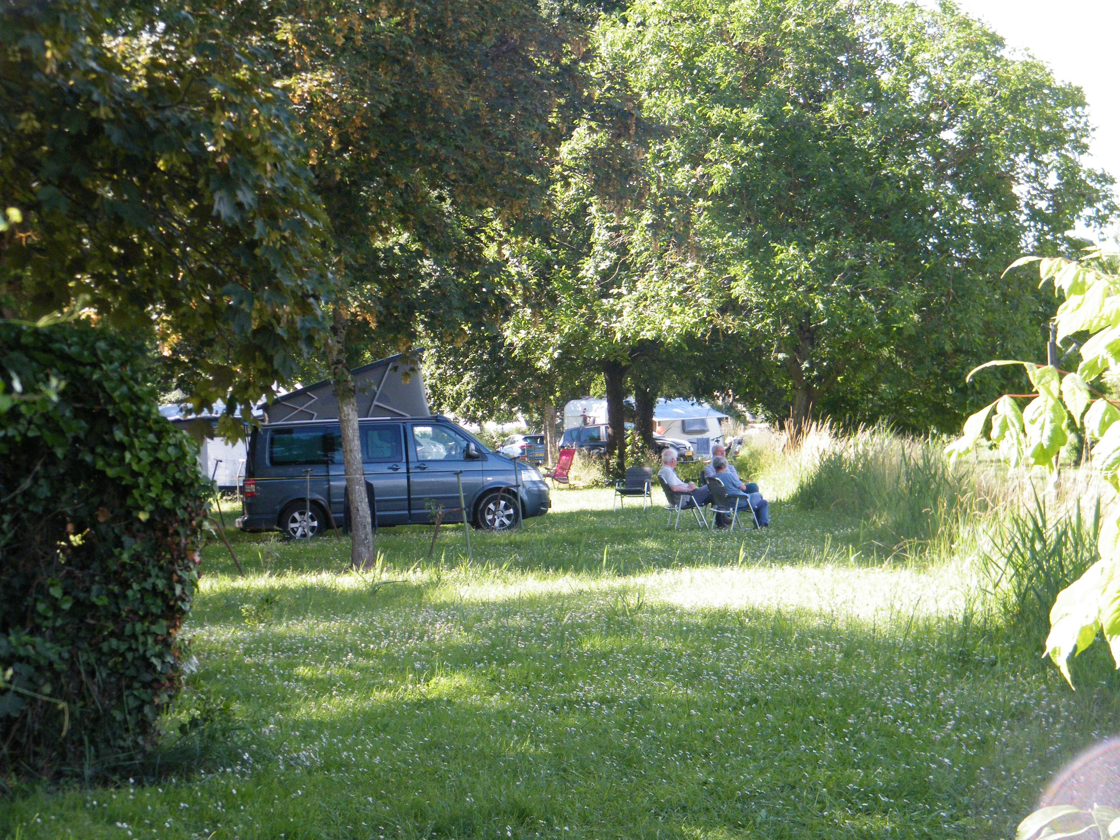 Emplacement - Forfait Emplacement Incluses - Camping Municipal de l'Île de Bidounet