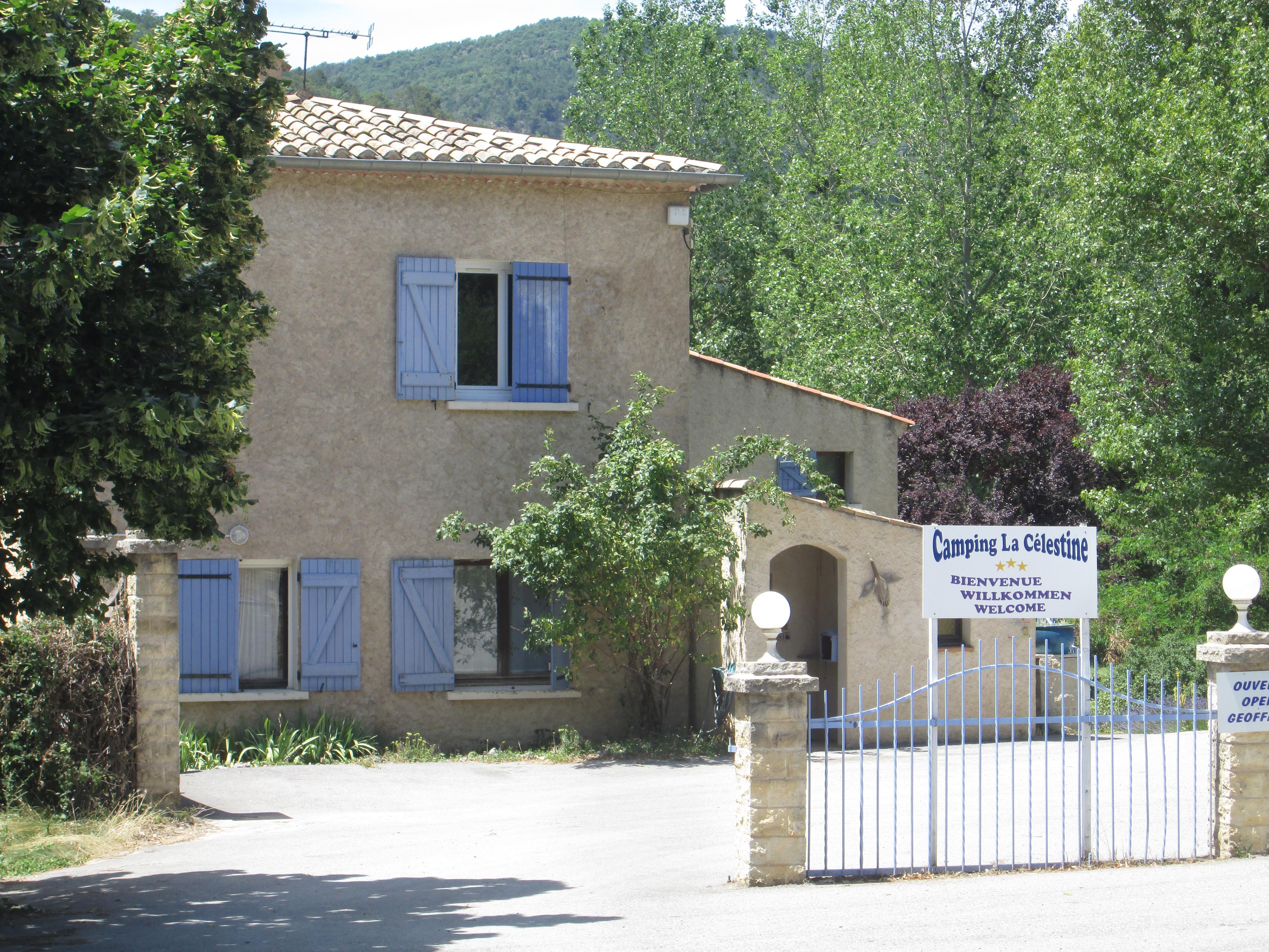 Camping la Célestine, Beynes, Alpes-de-Haute-Provence