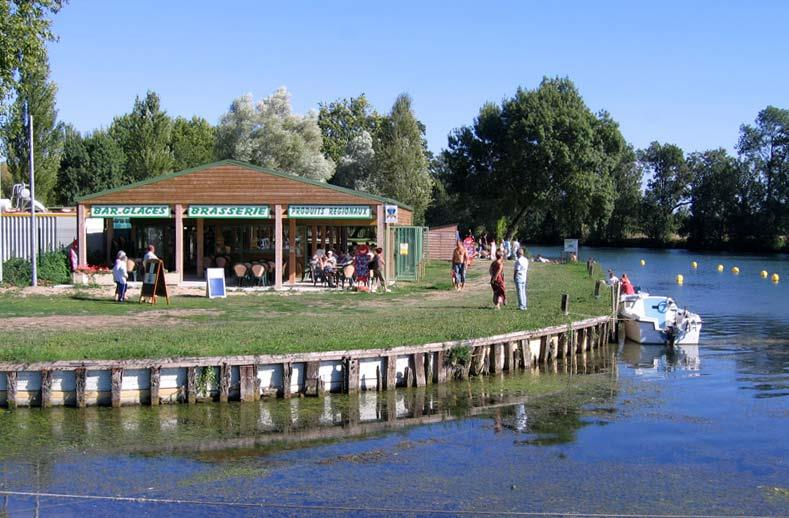 Camping Belle Rivière, Chaniers, Charente-Maritime