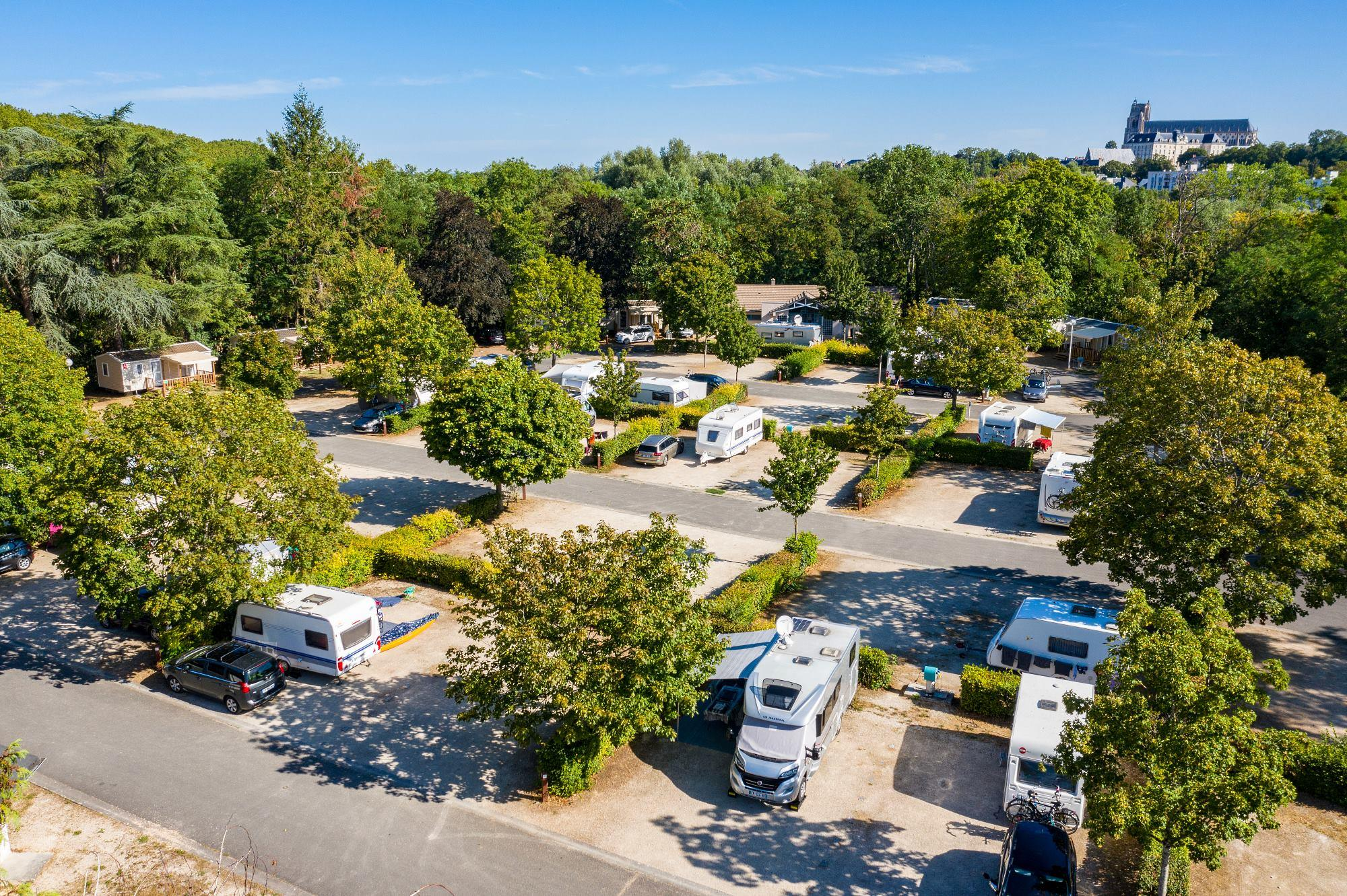Établissement Camping Robinson - Bourges