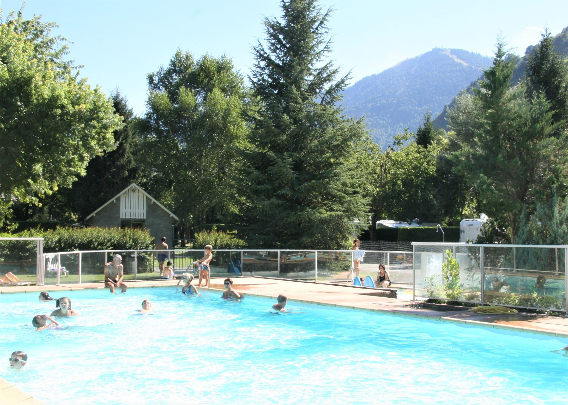 Establishment Camping Pradelongue - Bagneres De Luchon