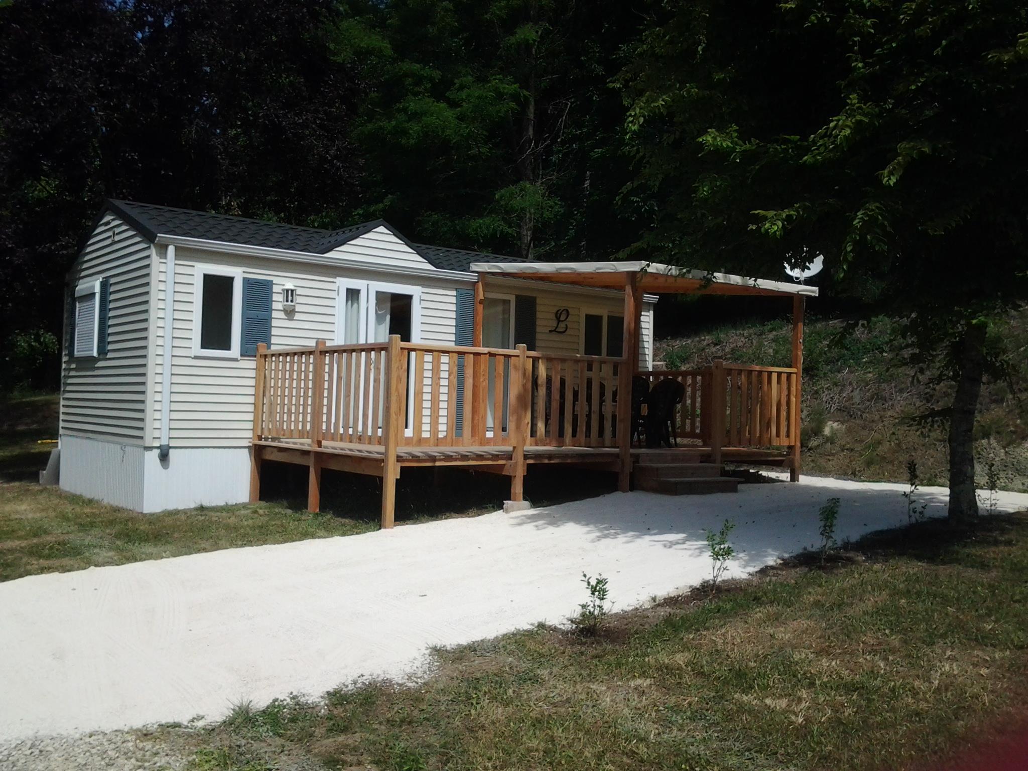 Location - Mobil-Home Résident - Camping Le Repaire