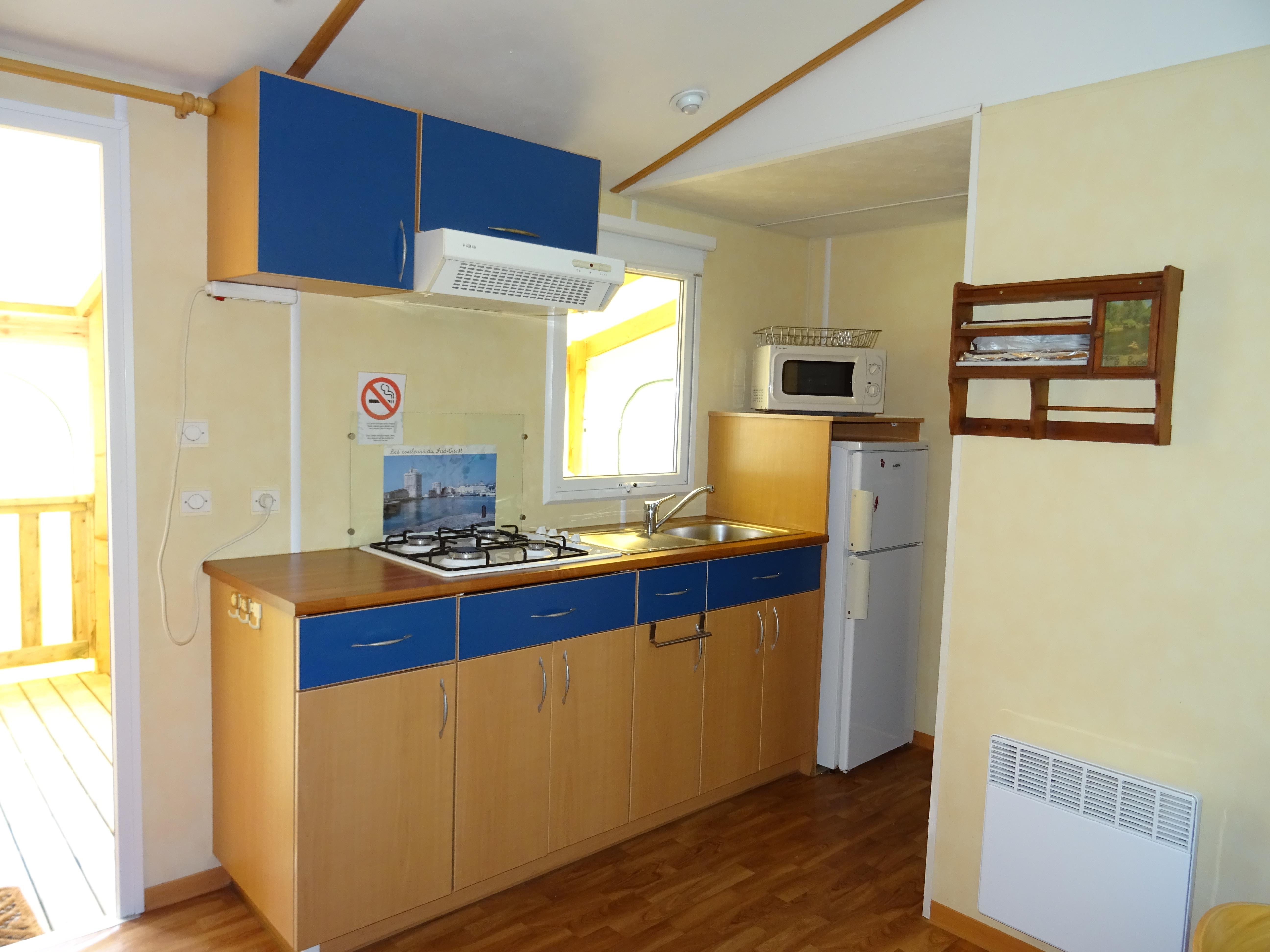 Location - Mobilhome 2 Chambres N°19 - Terrasse En Bois Couverte - Camping Le Repaire