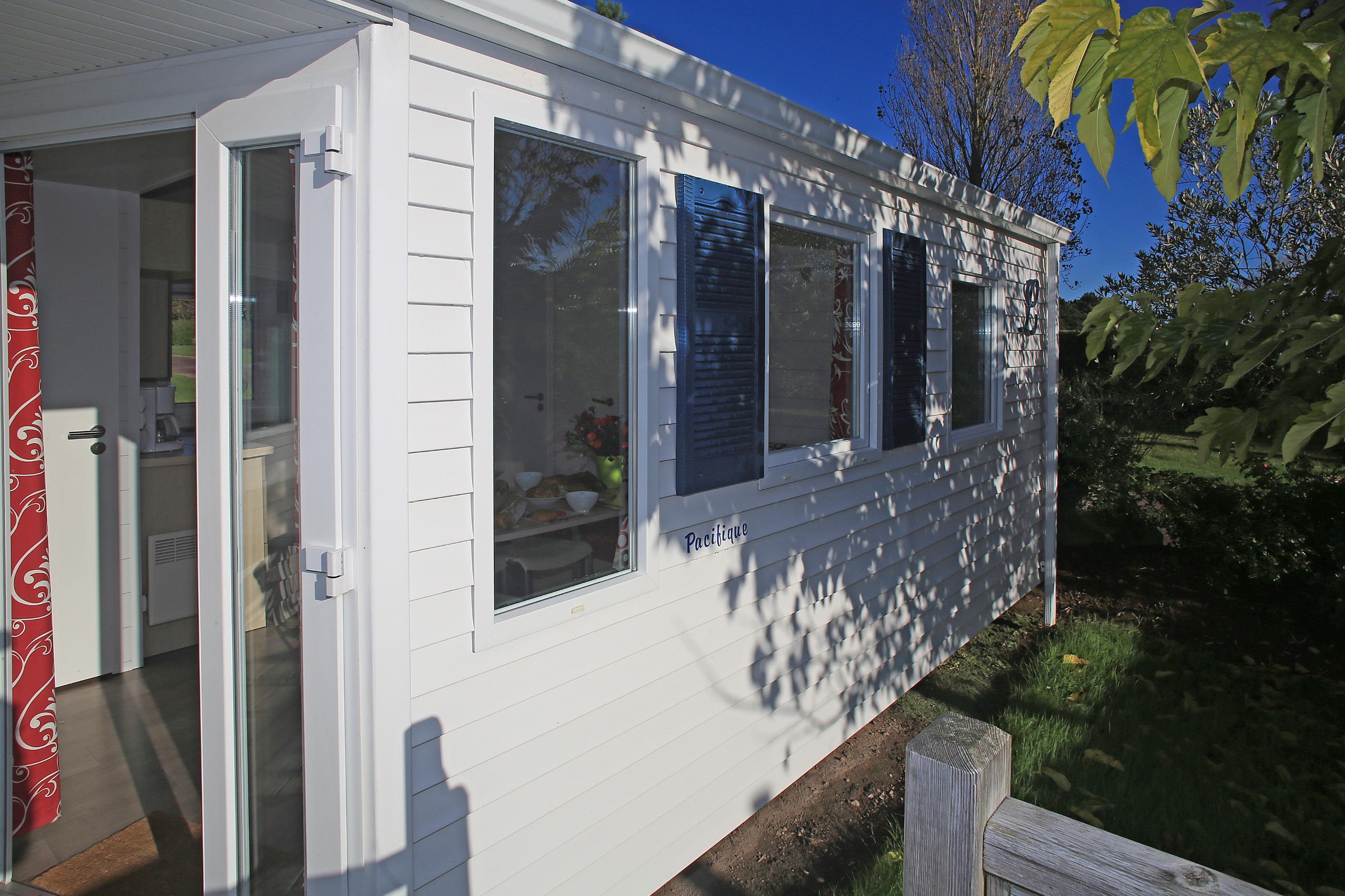 Location - Mobil Home 2 Chambres  Avec Terrasse - Camping Des Hautes Grées