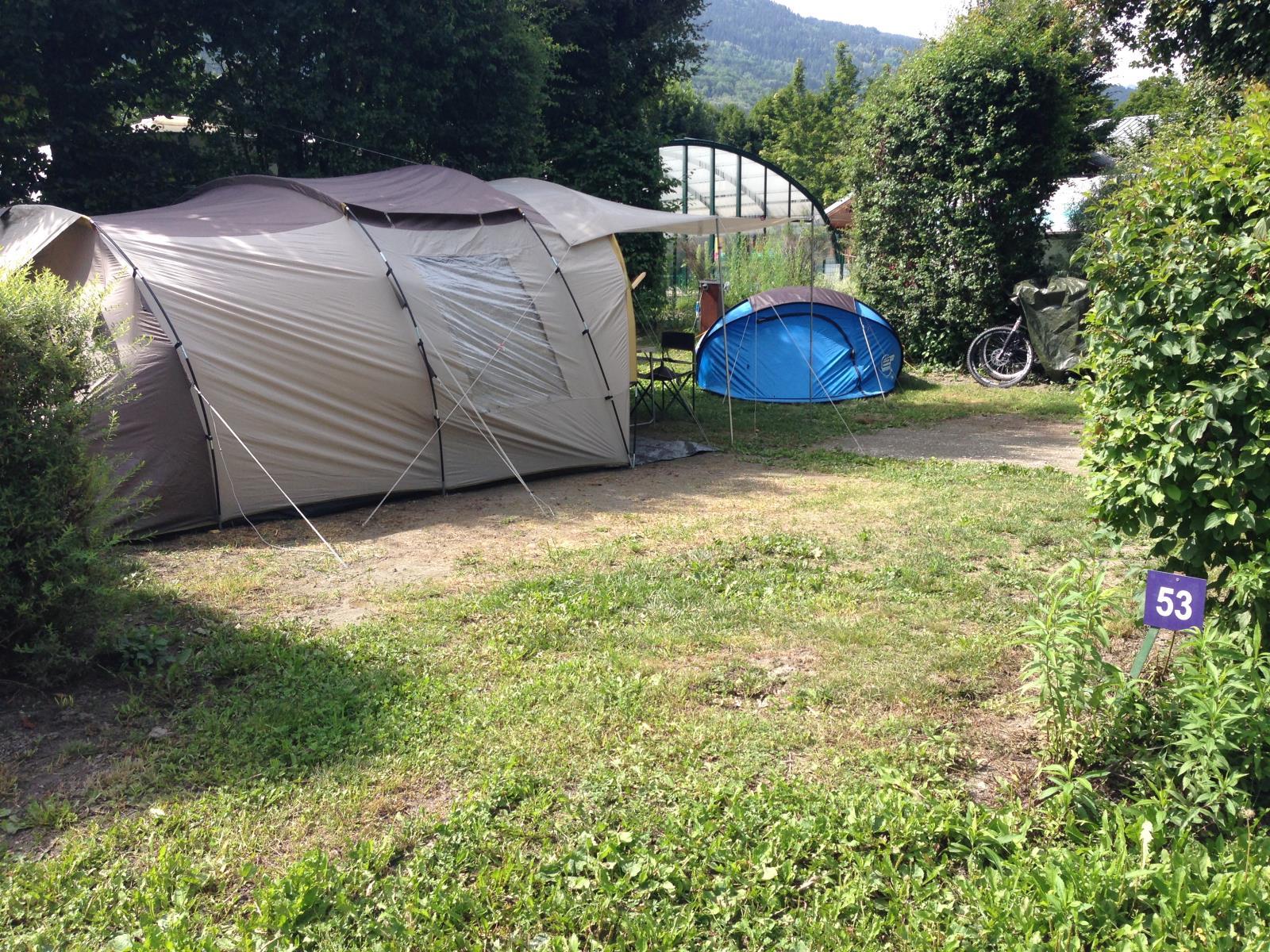 Emplacement - Forfait Nature Grand Emplacement 120-150M² (1 Tente, 1 Caravane Ou 1 Camping-Car / 1 Voiture / Pas D'électricité) - Camping L'Eden de la Vanoise