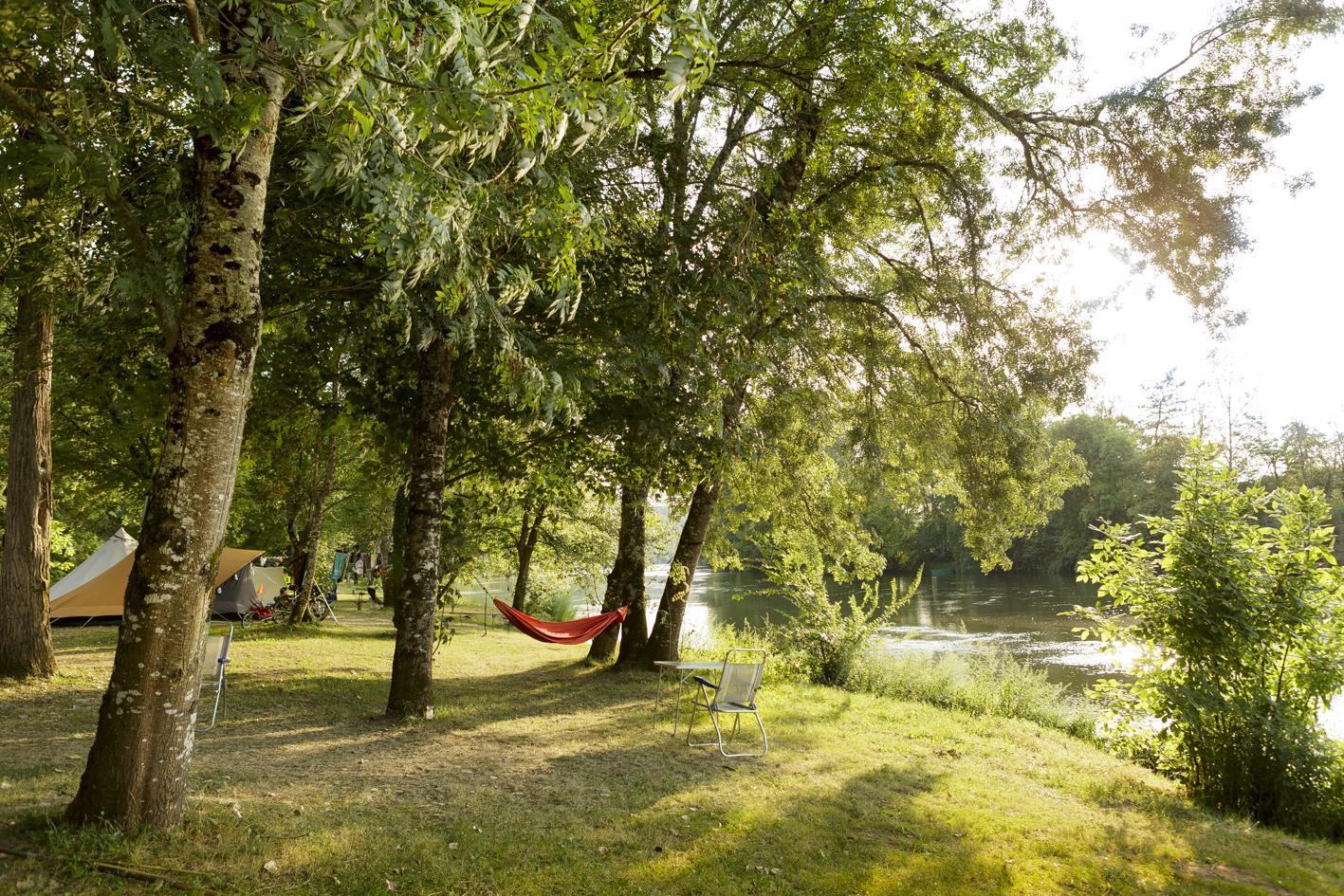 Camping le Clos Bouyssac, Touzac, Lot