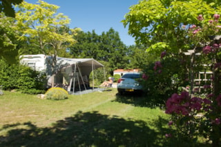 Privilège Package XXL 250 m² (1 tent, caravan or motorhome / 1 car / electricity 10A) + Water point + pitch XXL 250m²