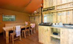 Lodge Woody Avec Sanitaire 2 Chambres- 35M2 + 15 M2 Terrasse Couverte