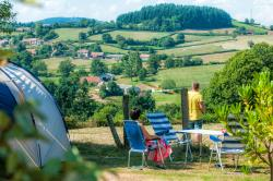 PREMIUM package with direct views of the valley 120 à 170 m2 (1 tent, caravan or motorhome / 1 car / ELECTRICITY)