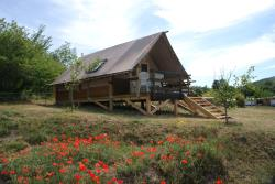 Wooden Cabin Trappeur 24M² Confort+ 2 Bedrooms / Half-Covered Terrace