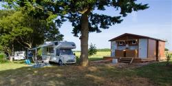 Camping Pitch Grand Confort with private sanitary