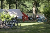 Pitch - Pitch  (at the river bank) 120m2 - Airotel Camping Au Soleil d'Oc