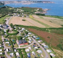 Establishment Camping Le Grand Large - Camaret-Sur-Mer