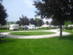 Piazzole - Family; 2 adults + 1 child -13 years old + without entrance for the pool - Camping Terme Ptuj