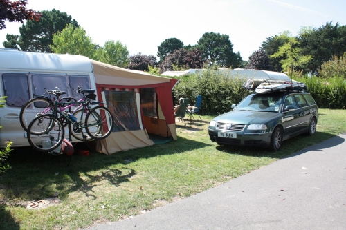 Pitch - Pitch, Vehicle, - Camping Les Menhirs