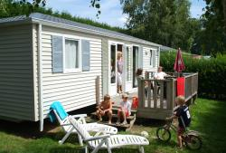 Mobile Home 3 Bedrooms - 1 Bathroom-Wooden Decking