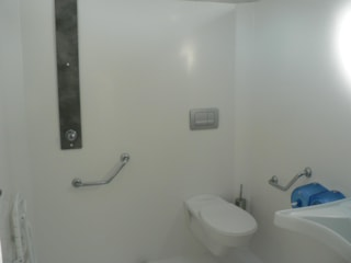 Pitch 120M² With Mains Drainage And Water + 1 Person+1 Toilet Blocks (With Toilet And Shower)